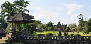 Bali Temples Sunset Tour: Taman Ayun and Tanah Lot  Pura Taman Ayun Temple Bali Temples Sunset Tour