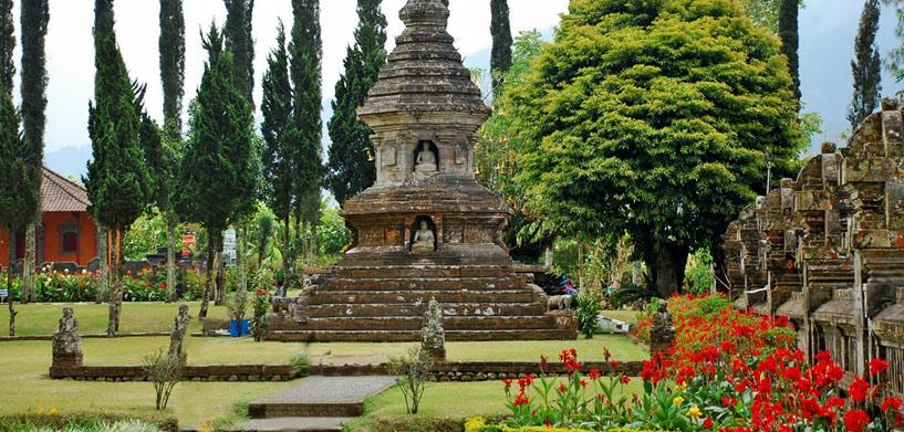 Pura-Ulun-Danu-4  Pura Ulun Danu Bratan Temple Pura Ulun Danu 4