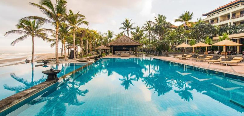The Legian Pool  The Best Hotel Pools in Bali The Legian Pool